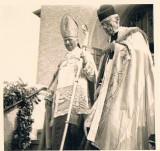 Bild-12-Bischof-Lorenz-u-Vikar-Geihe
